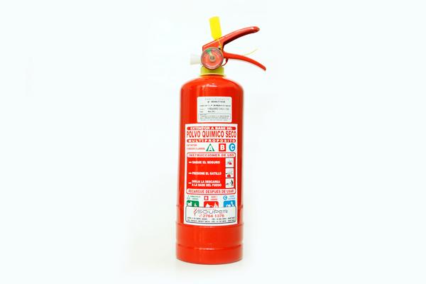 Extintores 2 kilos Portátiles ABC al 40% y 90%, alto rendimiento con carga de Polvo Químico Seco Multipropósito certificados. Aplicaciones: Indicados para incendios clase ABC, con alta eficiencia y seguridad. Éste extintor es recomendado para ser utilizado en áreas grandes y locales donde se encuentren equipos de alto valor. Apaga el fuego desplazando el oxígeno del área, disminuye la temperatura y le forma una película aislante al oxígeno. Cantidad según carga de combustible.